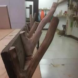树杈手工制作挂衣服用的挂钩架过程步骤图解