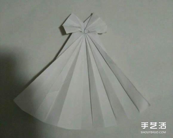 折纸婚纱裙的折法图解 婚纱的折纸方法步骤(2)
