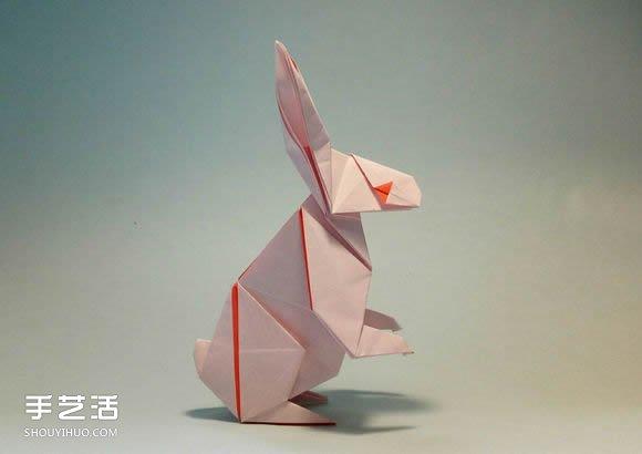 """所谓""""狡兔三窟"""",说的是兔子很聪明,善于保护自己。事实上,兔子确实是聪明的动物,所以兔子在民间故事中,常扮演机智胜利的角色。手工折纸立体兔子的教程,形态逼真、自然,值得喜爱折纸手工的小伙伴们一试哦(^o^)/~"""