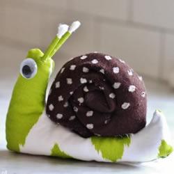 旧衣服做蜗牛玩偶图解 简单布艺蜗牛手工制作