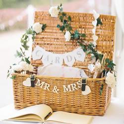 春季主题婚礼灵感DIY 低成本也可以很上镜!
