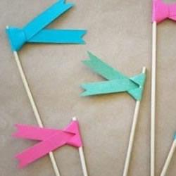 节日小彩旗制作方法 简单幼儿彩旗手工制作