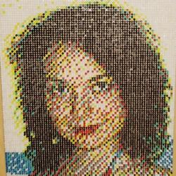 图钉画制作教程:他用一个月钉出女友肖像画