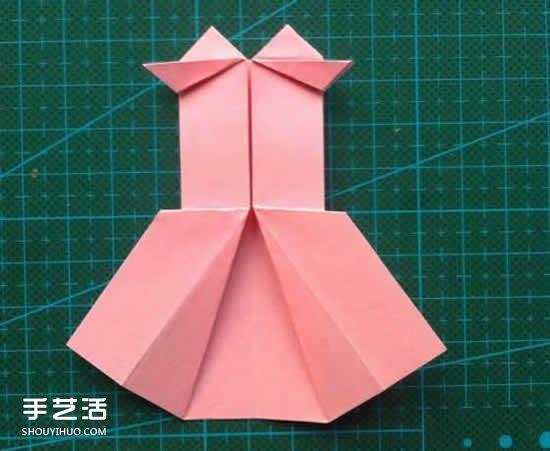 儿童折纸裙子图解教程 简单小裙子的折叠方法 -  www.shouyihuo.com