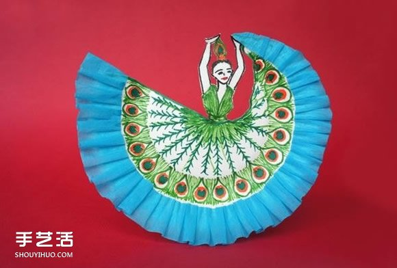 漂亮的儿童纸盘画:跳孔雀舞的女孩手工制作 -  www.shouyihuo.com