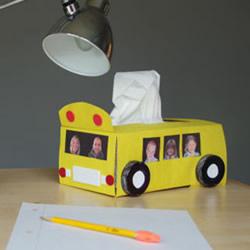 纸巾盒改造校车款步骤 校车纸巾盒的制作方法