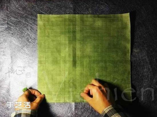 三生玫瑰花的折纸图解 一张纸折出三朵玫瑰花图片