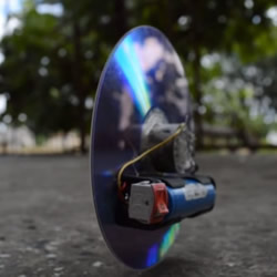 小发明:用硬盘碟片和光盘制作反重力小玩具