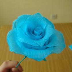 手工皱纹纸玫瑰花做法 简单皱纹纸玫瑰花的折法
