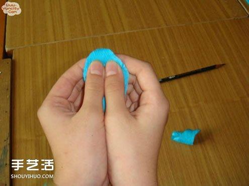 手工皱纹纸玫瑰花做法 简单皱纹纸玫瑰花的折法 -  www.shouyihuo.com