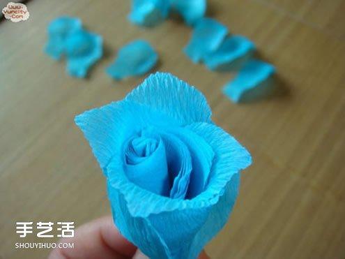手工皱纹纸玫瑰花做法 简单皱纹纸玫瑰花的折法 - www.shougong.com