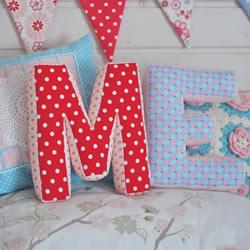 创意字母抱枕DIY教程 手工布艺英文字母抱枕