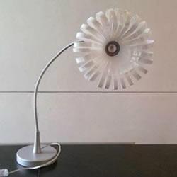 塑料酸奶瓶废物利用手工制作台灯灯罩的方法