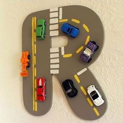 儿童节送什么礼物好?把汽车模型做成装饰品~