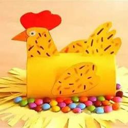幼儿园孵蛋的母鸡制作 卷纸筒做母鸡的方法