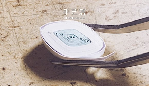 简单衍纸雪花教程图解 立体雪花的衍纸做法 -  www.shouyihuo.com