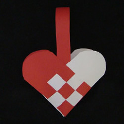 纸编爱心篮子图解教程 怎样折爱心篮子的折法