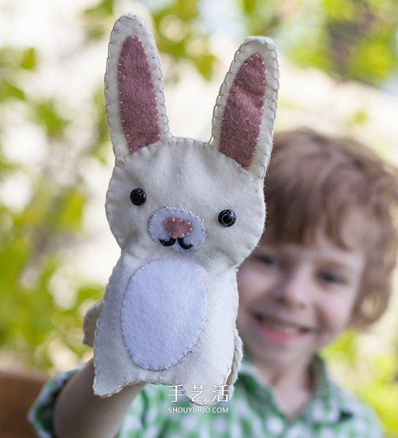呆萌的小兔子布偶.