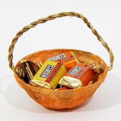 一次性塑料碗废物利用 手工制作漂亮礼物篮子