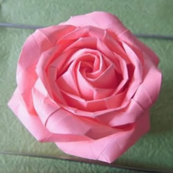 酒杯玫瑰的折法图解 手工折纸酒杯玫瑰过程
