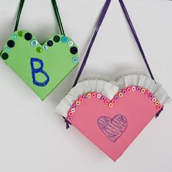 幼儿园玩具包的做法 废纸盒制作爱心玩具包包