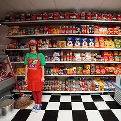 Lucy Sparrow的杂货店 所有食品都是羊毛毡制作