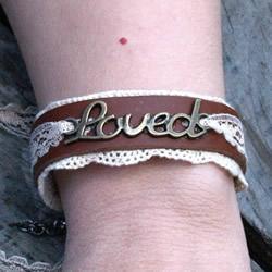 淑女风皮革手环的做法 自制好看皮手环DIY教程