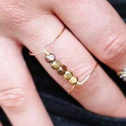 简易双环戒指的做法 DIY金属丝串珠戒指图解