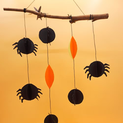 万圣节黑蜘蛛挂饰制作 简单卡纸做蜘蛛的方法