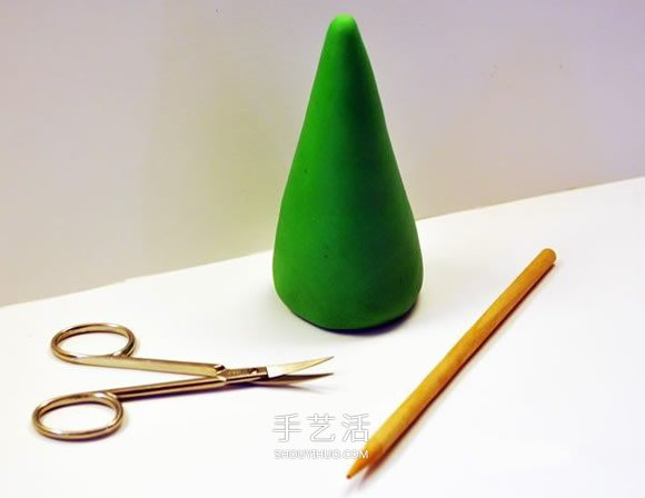 简单粘土圣诞树的做法 DIY超轻粘土圣诞树图解 -  www.shouyihuo.com