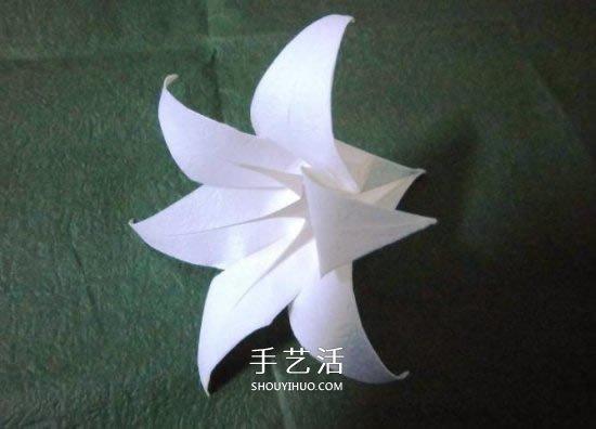 铁炮百合的折纸过程图解 手工折铁炮百合步骤(2)