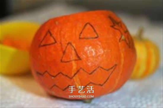 万圣节南瓜灯的做法 用南瓜做南瓜灯的方法 -  www.shouyihuo.com