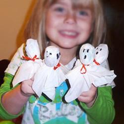 幼儿幽灵棒棒糖的做法 简单万圣节棒棒糖DIY