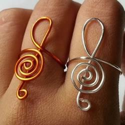 金属丝制作高音符戒指 自制优雅戒指的方法