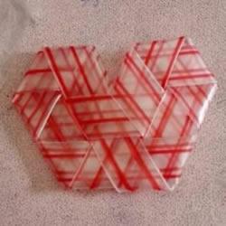 吸管折爱心怎么折图解 吸管爱心的折法步骤