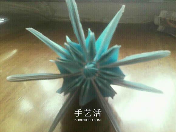 八瓣菊花的折法图解 重阳节立体菊花折纸教程(3)
