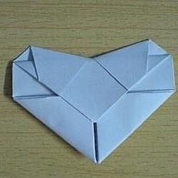 简单心形折纸图解教程 手工桃心的折法步骤
