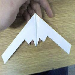 B-2轰炸机的折法图解 折纸隐形轰炸机的方法