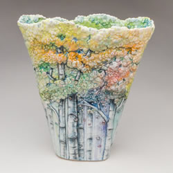 亲手捏制的一草一木 精美的浮雕式陶瓷器皿