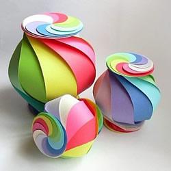 卡纸做灯笼的简单方法 多彩灯笼手工制作教程