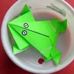 按一下会跳的青蛙折纸 折纸会跳远的青蛙图解