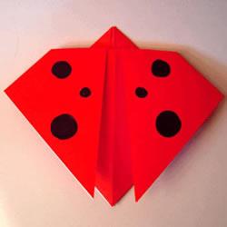 七星瓢虫的折法图片 幼儿学折瓢虫的简易教程