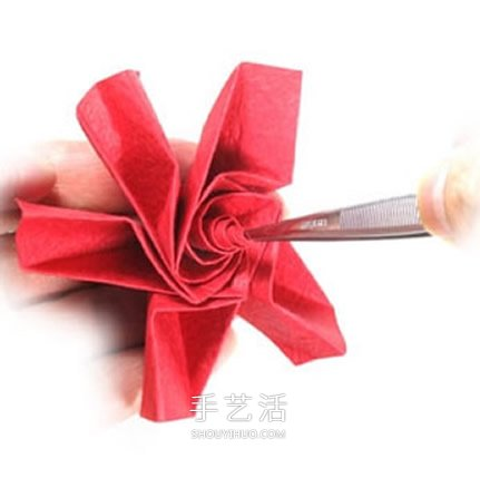 五瓣玫瑰花的折法图解 手工折纸五瓣玫瑰步骤 2图片
