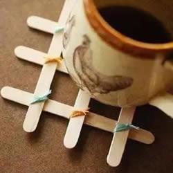 自制雪糕棍杯垫的方法 简易杯垫的做法图解