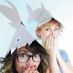 简单鲨鱼帽的做法图解 卡纸制作儿童玩具帽