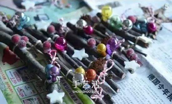树枝做圣诞树挂饰方法 DIY简单圣诞树装饰图解 -  www.shouyihuo.com