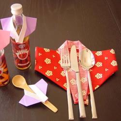 餐巾折纸和服的方法 简单餐巾和服的折法图解