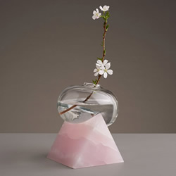 当个懒惰的花瓶!脆弱与坚硬相倚的玻璃雕塑