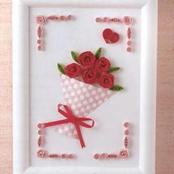 衍纸玫瑰花装饰画做法 情人节衍纸手捧花礼物