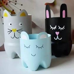 饮料瓶手工制作笔筒 卡通猫咪和大熊猫样式